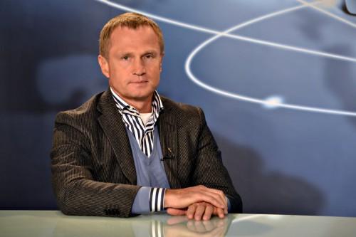 Ряд журналистских расследований показал, что депутат Владимир Зубик был связан со скандальной «прокладкой» — фирмой Ливела